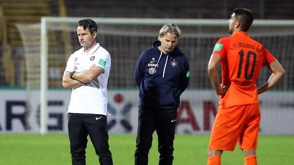 Trainer Dirk Schuster, Erzgebirge Aue, Co Trainer Sascha Franz Aue und Dimitrij Nazarov