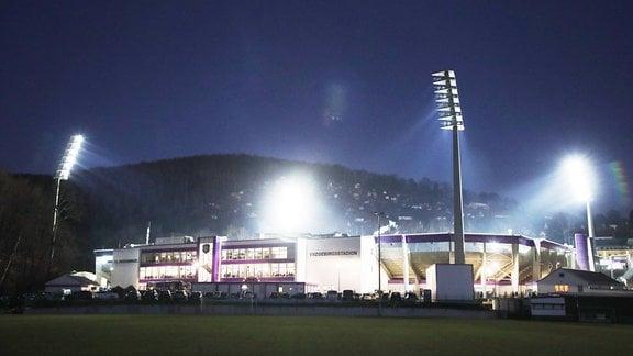 Das Erzgebirgsstadion unter Flutlicht
