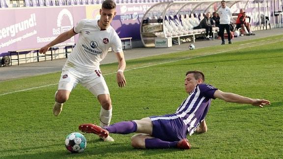 Tom Krauß Krauss 14, 1. FC Nürnberg und  Gaetan Bussmann 2, Erzgebirge Aue