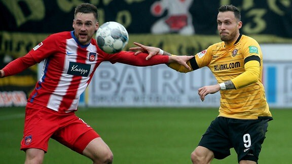v.l. Patrick Mainka 1. FC Heidenheim und Patrick Schmidt Dynamo Dresden