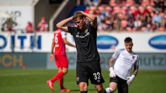 Christoph Daferner SG Dynamo Dresden, 33, aergert sich,