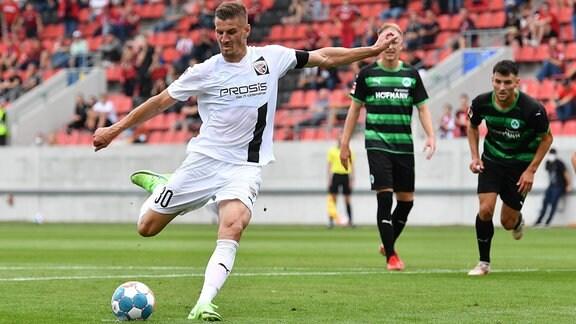Stefan Kutschke (30, FC Ingolstadt 04 ) bei Elfmeter Strafstoß