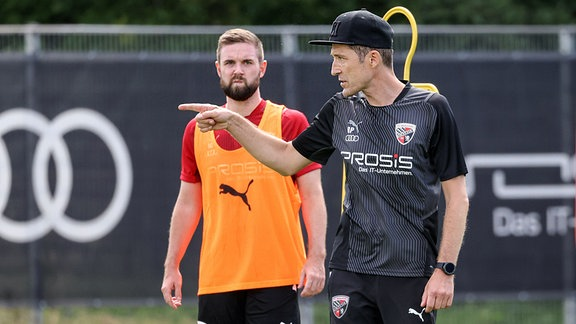 FC Ingolstadt 04 - Trainingsauftakt mit neuem Trainerteam - Cheftrainer Roberto Pätzold FCI Marc Stendera