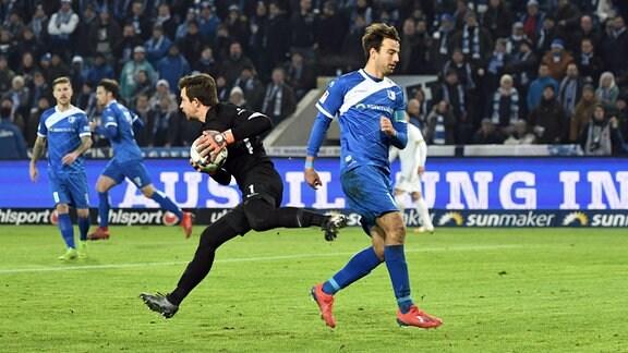 Martin Männel,Aue, Christian Beck, 1. FC Magdeburg