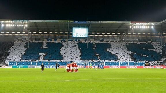 Choreografie der Magdeburger Fans zu ehren von Heinz Krügel
