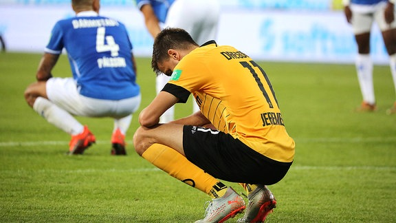 Dresdens Alexander Jeremejeff nach dem Abpfiff beim Spiel gegen den SV Darmstadt