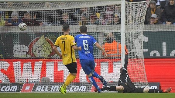 Magdeburg erzielt das 0:1 durch Björn Rother