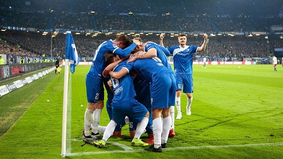 Die Spieler des 1. FC Magdeburg jubeln