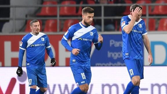 Enttäuschte Spieler des 1. FC Magdeburg