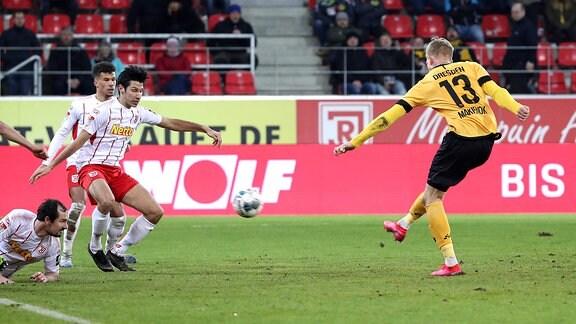 Simon Makienok trifft zum 1:2 für Dresden