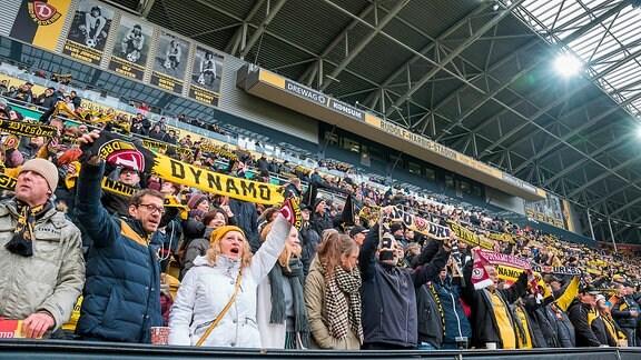 Dynamofans SG Dynamo Dresden - Holstein Kiel