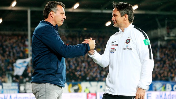 Trainer Alois Schwartz ( Karlsruhe) und Trainer Dirk Schuster, Erzgebirge Aue