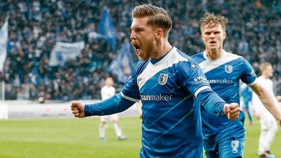 1. FC Magdeburg - Holstein Kiel emspor, v.l. Philip Tuerpitz (Magdeburg, 8) Jubel
