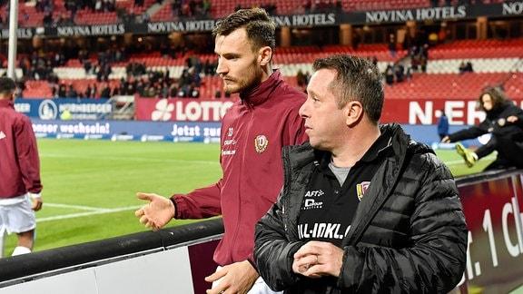Trainer SG Dynamo Dresden Markus Kauczinbski und Kapitän Florian Ballas