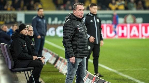 Dresdens Cheftrainer Markus Kauczinski an der Seitenlinie