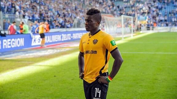 Dresdens Moussa Kone enttäuscht nach Abpfiff; 1. FC Magdeburg - SG Dynamo Dresden