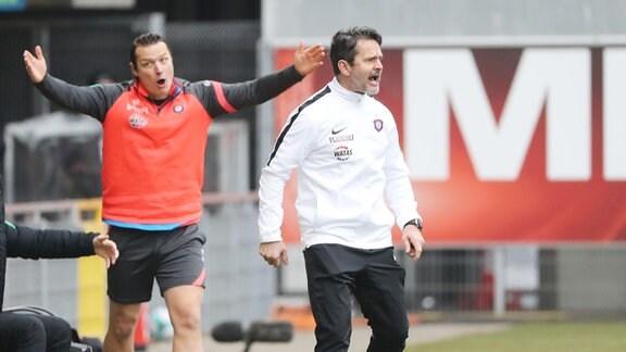 Co Trainer Marc Hensel (Aue) und Trainer Dirk Schuster, Erzgebirge Aue.