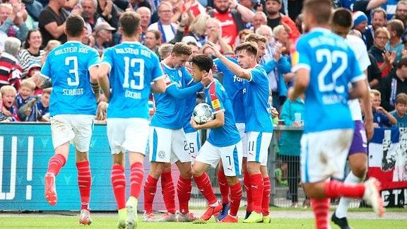 Kieler SV Holstein vs. FC Erzgebirge Aue -