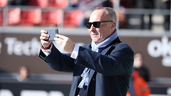FC St.Pauli Hamburg vs. FC Erzgebirge Aue - Präsident Helge Leonhardt (Aue)