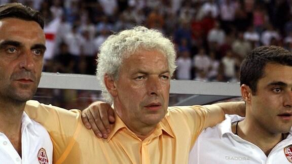 Klaus Toppmöller (Mitte) und Ralf Minge