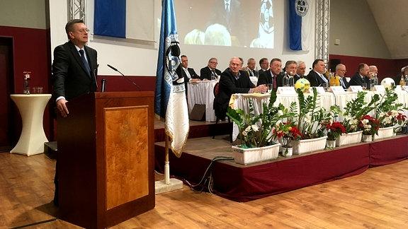 DFB-Präsident Reinhard Grindel auf dem NOFV-Verbandstag