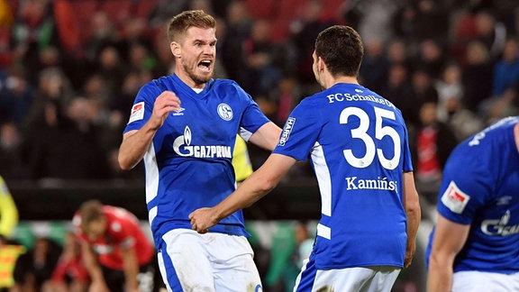 Jubel Simon Terodde, FC Schalke 04, und Marcin Kaminski