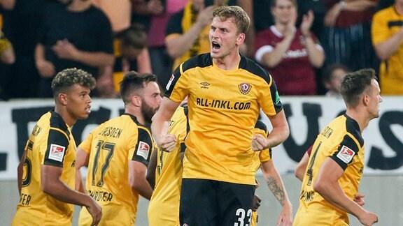 Torjubel nach dem 1:0. Christoph Daferner, 33, Dynamo Dresden