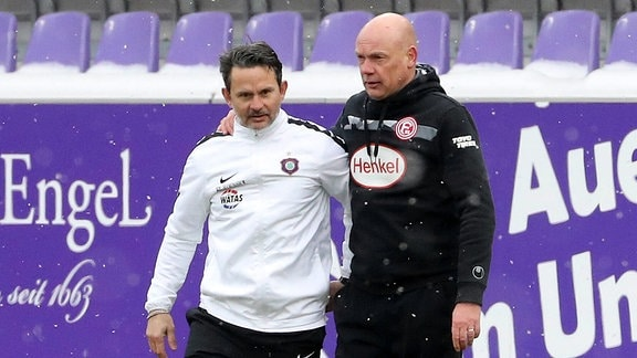 von links; Trainer Dirk Schuster, Erzgebirge Aue und Trainer Uwe Rösler
