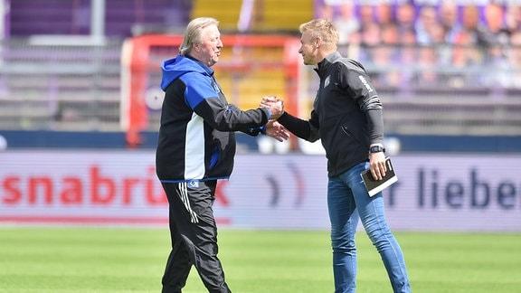 Trainer Horst Hrubesch Hamburger SV und Trainer Markus Feldhoff Osnabrueck