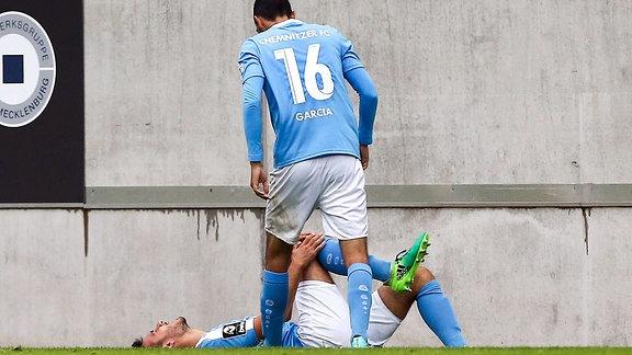 Ioannis Karsanidis (6, Chemnitz) verletzt am Boden