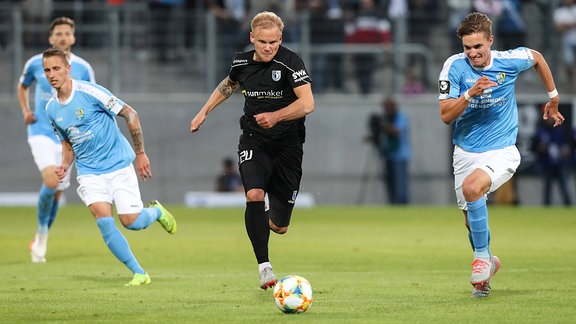 Sören Bertram (1. FC Magdeburg) gegen Sören Reddemann (Chemnitzer FC)