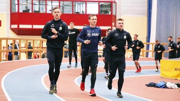 Erik Tallig 17, Chemnitz, Nils Blumberg 19, Chemnitz und Philipp Sturm 27, Chemnitz