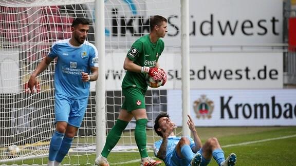 Philipp Hosiner 26, Chemnitzer FC verhindert Torchance von Davud Tuma 7