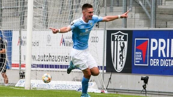 Sören Reddemann (25, Chemnitz) jubelt nach dem 2:1