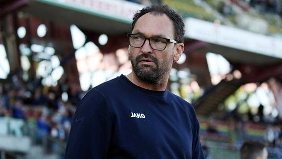 Claus-Dieter Wollitz (Trainer FC Energie Cottbus)