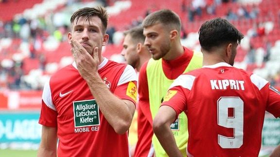 1. FC Kaiserslautern: Enttäuschung bei Daniel Hanslik nach dem 1:1 gegen Zwickau