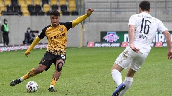 Ransford-Yeboah Königsdörffer Dynamo Dresden 35, Peter Kurzweg FC Ingolstadt 16