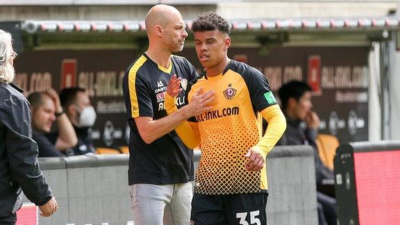 Trainer Alexander Schmidt und Ransford-Yeboah Königsdörffer