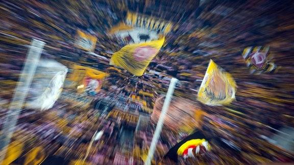 Blick auf den K-Block, mit Zoom-In-Effekt, der SG Dynamo Dresden