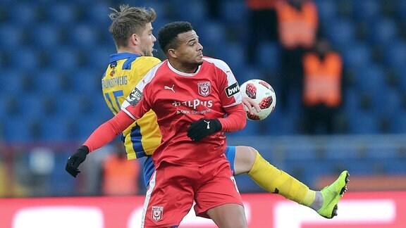 Christoffer Nyman (Eintracht Braunschweig), Marvin Ajani (Hallescher FC).