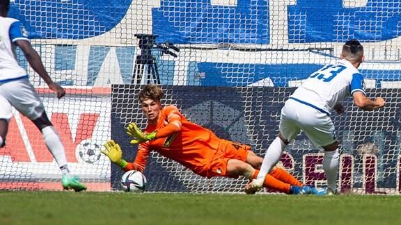 Niklas Sauter SC Freiburg II,Baris Atik 1.FC Magdeburg