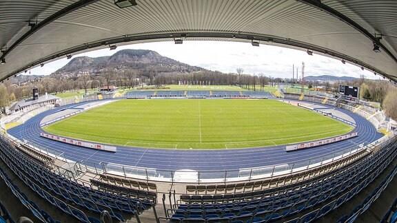 Ernst-Abbe-Sportfeld, Heimspielstätte des FC Carl Zeiss Jena und des FF USV Jena
