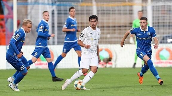 Eroll Zejnullahu gegen Sören Bertram und Mario Kvesic