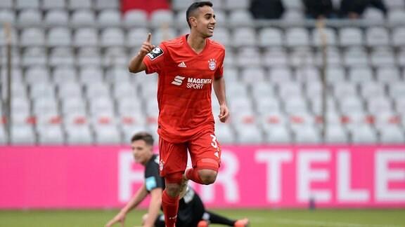 Jubel über das Tor zum 1:0 durch Sarpreet Singh, Bayern München