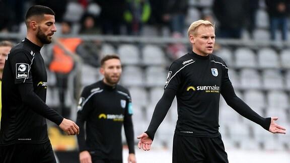 Jürgen Gjasula und Sören Bertram nach dem Gegentor enttäuscht