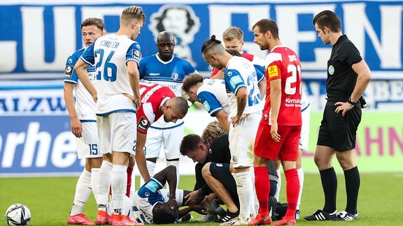 Verletzt - Sirlord Conteh 1. FC Magdeburg