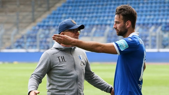 Trainer Thomas Hoßmang Hossmang mit Christian Beck 1. FC Magdeburg