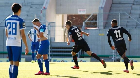 Wehen Wiesbaden - 1. FC Magdeburg: 2 Bilder