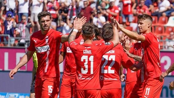 Zwickau jubelt nach 1:0-Treffer von Marco Schikora