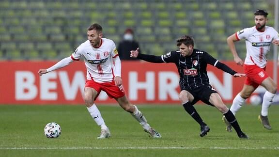 Michael Eberwein 10, Halle und Philipp Erhardt 24, Türkgücü